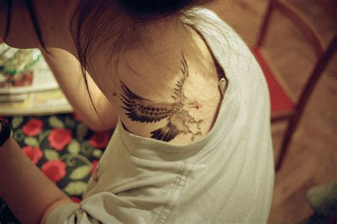 eagle tattoo back of neck dramatic eagle tattoos best tattoo 2014 designs and