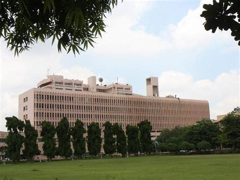 Iit Delhi Mba Cut 2016 by Iis Iit Delhi Slip In Qs Rankings As 7 Indian Univs Make