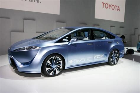 Toyota Future Model Toyota Previews Future Electric Fuel Cell Models