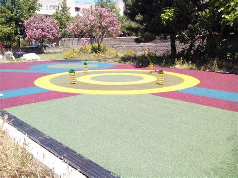 pavimento antitrauma pavimento antitrauma in gomma colata