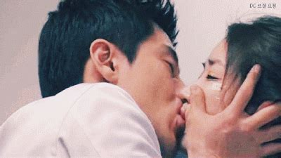 korean actress good kisser media experts reveal the most terrible kiss scenes in k