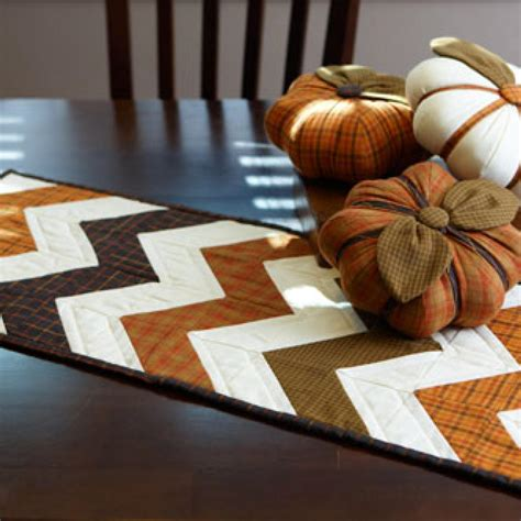 12 table runner 12 easy table runner patterns and ideas guide