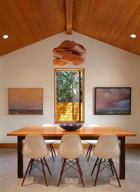 Dining Room Table Lights Lighting Design Idea 8 Different Style Ideas For Lighting Above Your Dining Table Contemporist