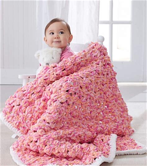 Free Patterns Bernat Baby Blanket Yarn by Ravelry Baby Bobble Blanket Pattern By Bernat Design Studio