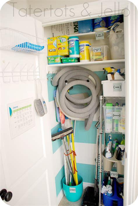 clean that closet make a striped closet and organization printables