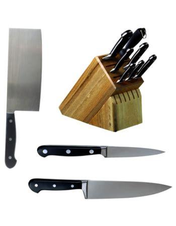 Pisau Dapur Tajam melilitkan tali kur pada gagang pisau