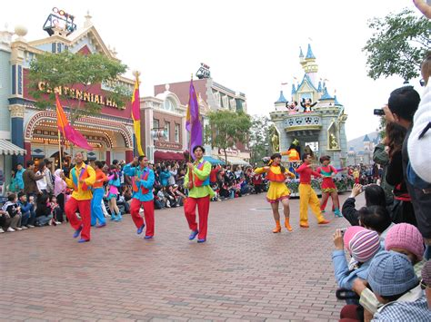 new year parade characters file hk disneyland parade 4 by dave q jpg