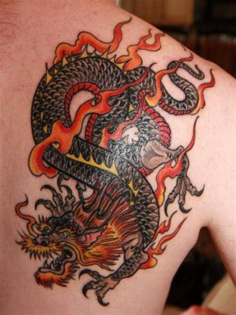 dragon tattoo znachenie тату дракона на лопатке значение и варианты исполнения