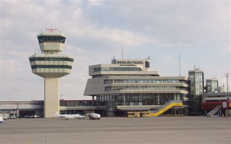 berlin airport huis muur berlin tegel txl airport