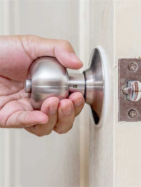 how to remove a bathroom door knob remove interior door knob how to remove an interior door knob ehow removing