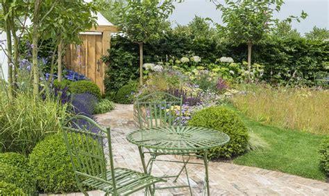 come arredare il giardino fai da te arredo giardino idee fai da te originali urbanpost