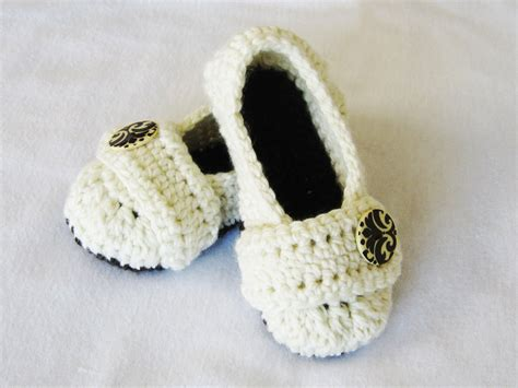 crochet slippers crochet pattern cozy s house slippers by