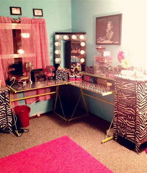 Makeup Room Ideas 17 Best Images About Makeup Stations On Pinterest Makeup Storage Diy Makeup Vanity And