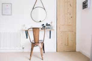 small space dressing table and beauty station ideas