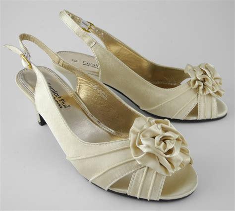 womens wide fitting kitten heel wedding shoes