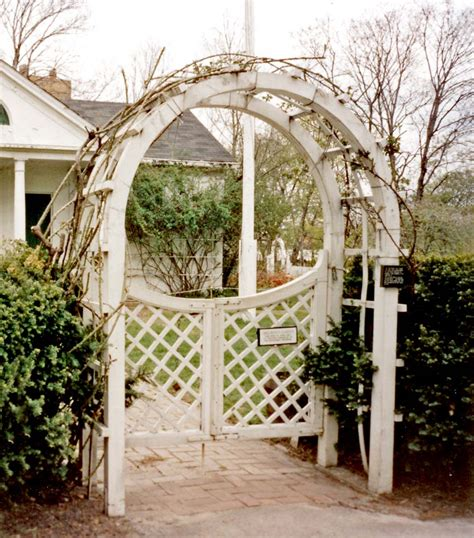 octagon house wikiwand 100 octagon house joseph pell lombardi historic