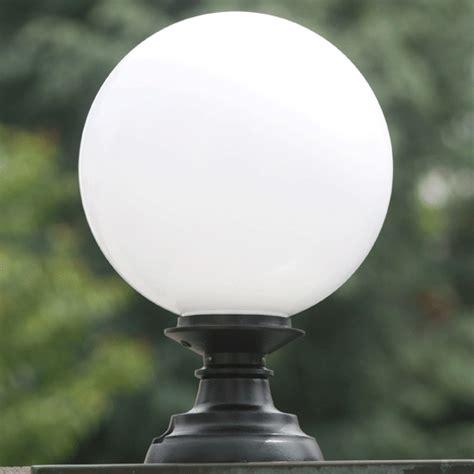 Cast Iron Pedestal Pedestal Globe Light Elba 02 Terra Lumi