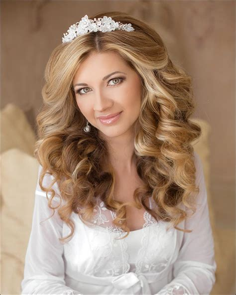 Wedding Hair For Curls by 23 Gorgeous Bridal Hairstyles For Curly Hair