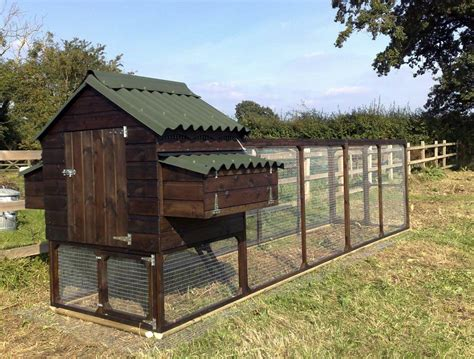 Chicken Hutch Design Advantages Of A Large Chicken Coop Chicken Coop How To