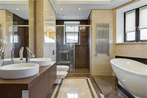 pulire vasca da bagno come pulire il bagno in modo naturale non sprecare