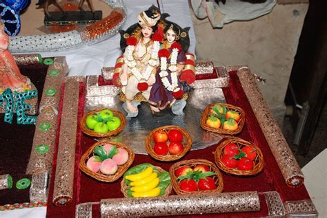 Bride & Groom wit seer varisai   Aarathi(Decorative Plates