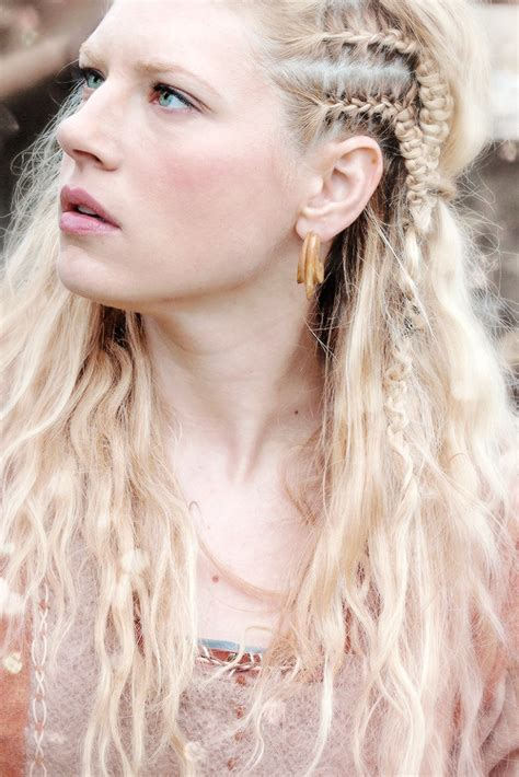 how to plait hair like lagertha lothbrok hair mine still s3 details her face braids vikings by zoe