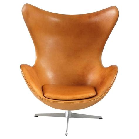 leather egg chair cognac leather egg chair by arne jacobsen for fritz hansen