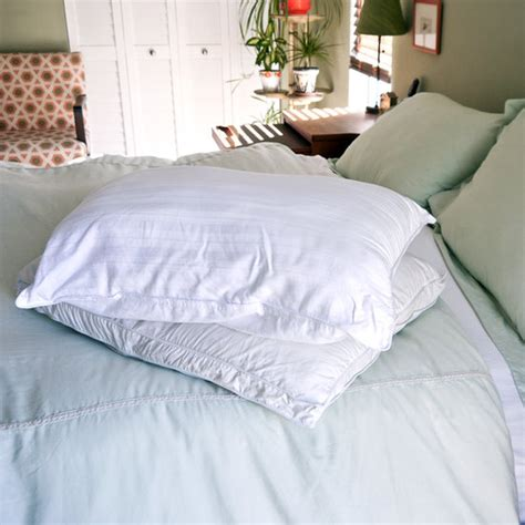 Cleaning Pillows With Vinegar by How To Naturally Whiten Pillows Popsugar Australia Smart