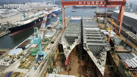 boat manufacturers in south korea time lapse of the world s largest shipyard in south korea