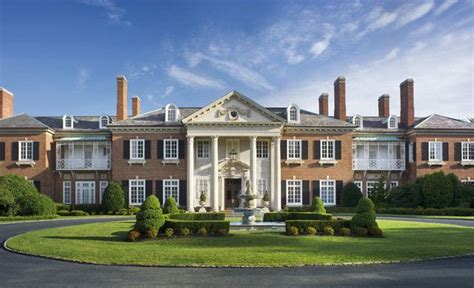 mansions in the htons exterior