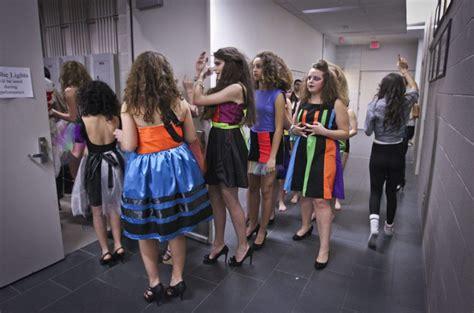 School Of Fashion Exhibiton Mba Exhibition by Toronto High School Fashion Shows Glee Worthy