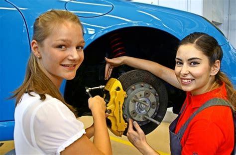Ausbildung Porsche Stuttgart by Porsche Ausbildungszentrum Neuer Besucherrekord Beim Tag
