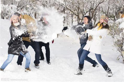 imagenes niños jugando en la nieve 打雪仗的朋友们图片素材 图片id 626426 其它人物 人物图片 图片素材 淘图网 taopic com