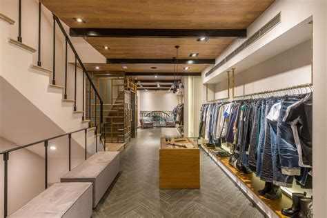 Floor To Ceiling Store by Imatio Store By Manousos Leontarakis Associates