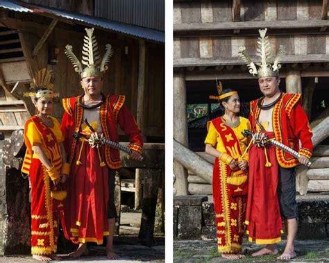 pakaian adat sumatera utara  unik  beragam