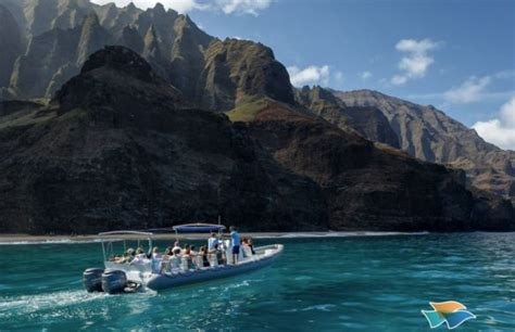 napali coast boat tours departing from north shore maui hawaii tours discount specials 4 hour na pali coast