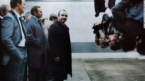 film gangster england bob hoskins known for roger rabbit dies at 71 cnn
