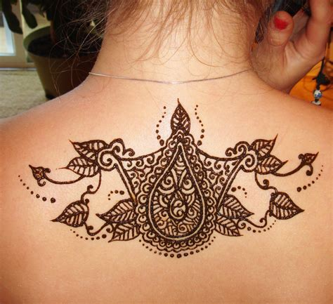 henna tattoo on back hand henna of the chest back etc india