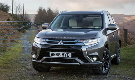 mitsubishi new year promo mitsubishi outlander discount up to 163 6 500 new car