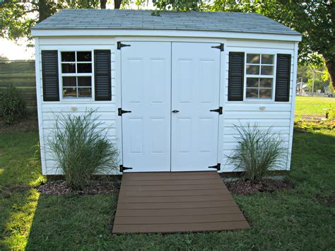 sprucing   storage shed momhomeguidecom