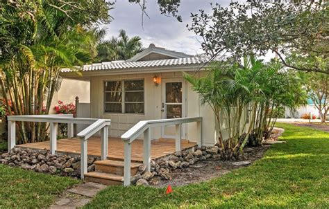 Sarasota Cottage Rentals by New 1br Sarasota Cottage On Siesta Key Vrbo