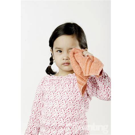 Obat Mata Kuning Dan Gatal penyebab mata merah pada anak