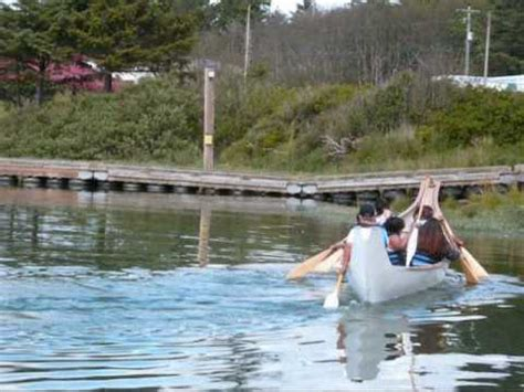 quileute canoes canoe practice quileute native american teens youtube