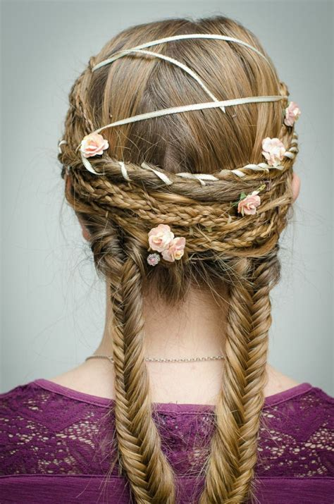 Hairstyles Decorated With Flowers | 1001 ideas for stunning medieval and renaissance hairstyles