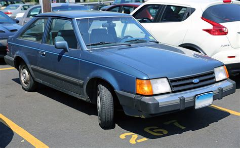 file 1986 ford escort l three door jpg wikimedia commons