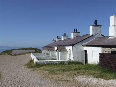 anglesey cottages pilots cottages ynys llanddwyn newborough anglesey