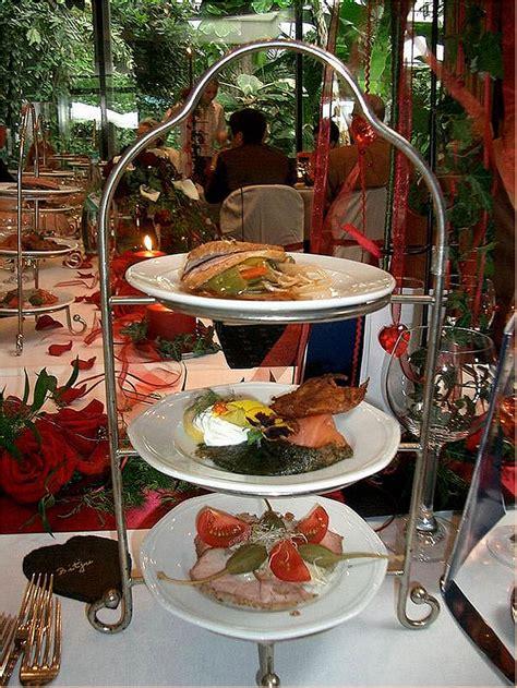 etagere essen vorspeisen etag 232 re guten appetit foto bild