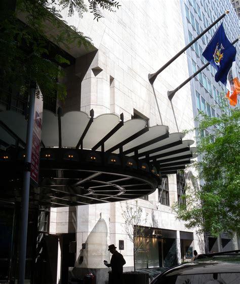 ressort canap file 4 seasons hotel ny 57 canopy jeh jpg wikimedia commons