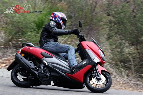 review  yamaha nmax  scooter bike review