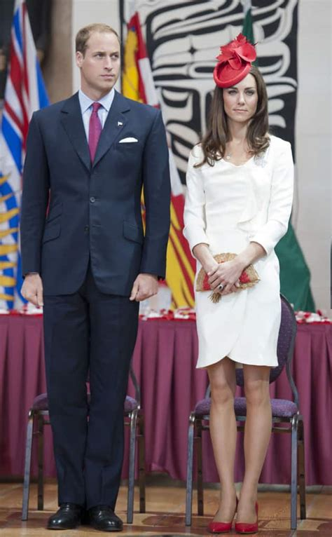 Why I Kate Middleton by Kate Middleton Why Is She Always Carrying That Clutch